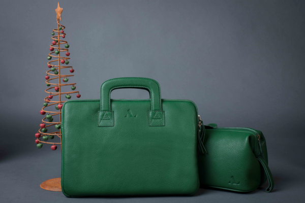 gorgeous green laptop bag and wash bag