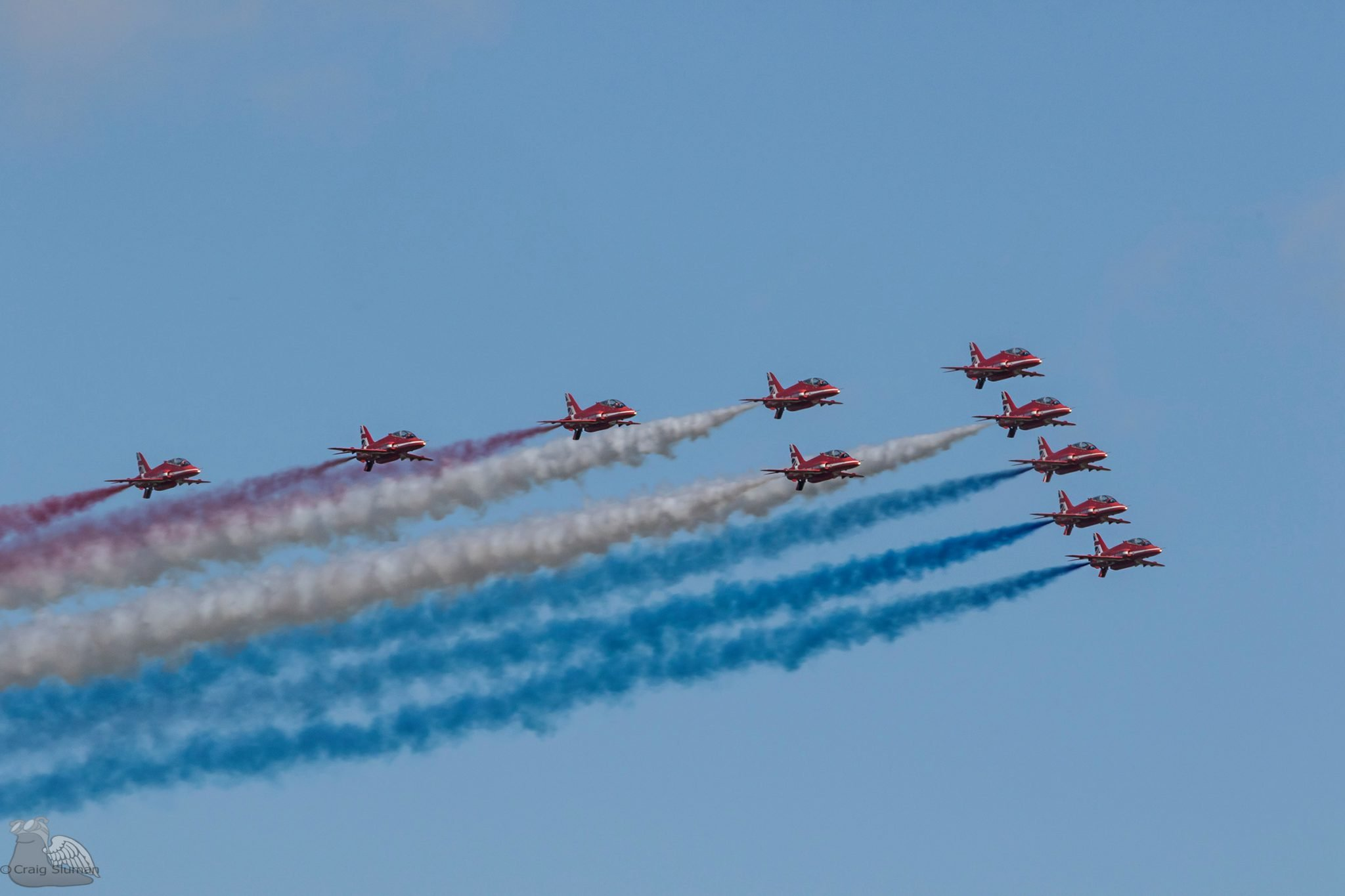 red arrows red white blue smoke craig sluman asali