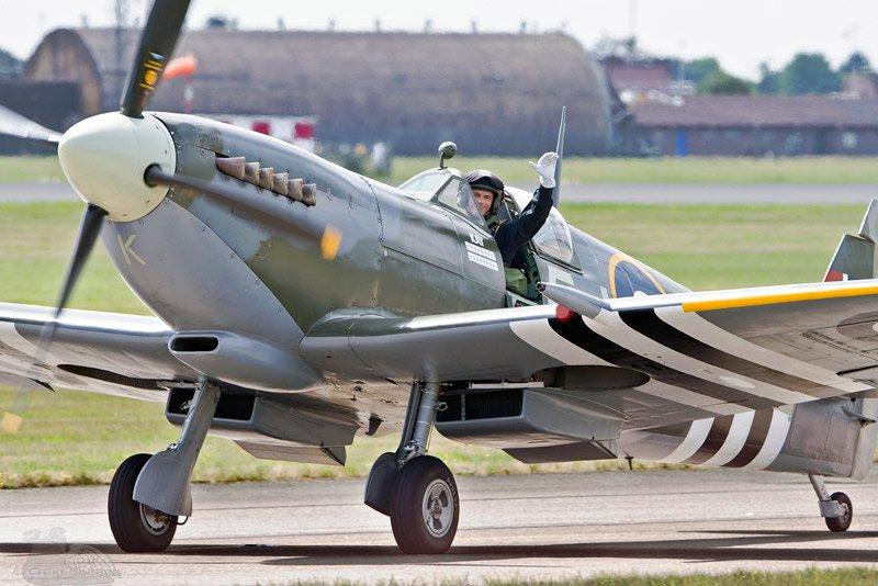 silver spitfire leader ian smith as oc bbmf spitfire flight