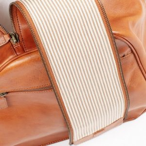 cream stripe lining of asali sptifire luxury weekend travel bag with double zip